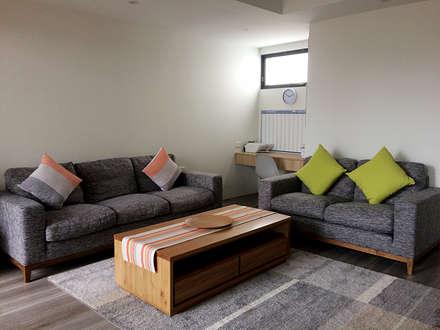 KV Residence: modern Living room by MZH Design