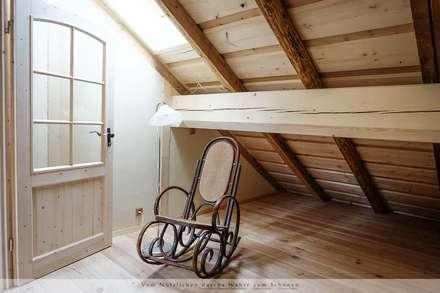 Dachausbau mit Galerie: landhausstil Schlafzimmer von Thisalo GmbH