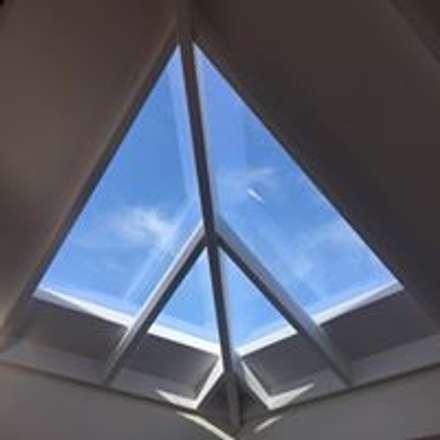 Hipped roof by Drevo - Construção e Reabilitação em Madeira, Unipessoal, Lda