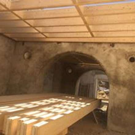 Estruturas de pisos e telhados: Moradias  por Drevo - Construção e Reabilitação em Madeira, Unipessoal, Lda