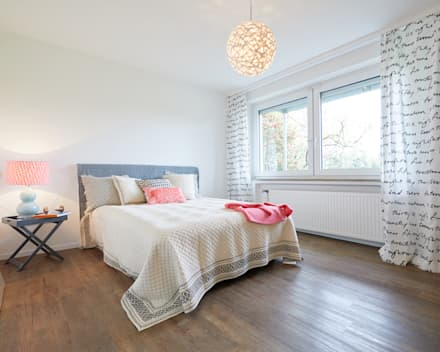 Exponierte Unternehmervilla in Bestlage - Schlafen: klassische Schlafzimmer von Tschangizian Home Staging & Redesign