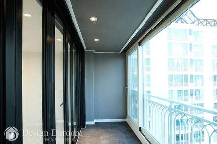 암사동 한강포스파크 아파트 발코니: Design Daroom 디자인다룸의  베란다