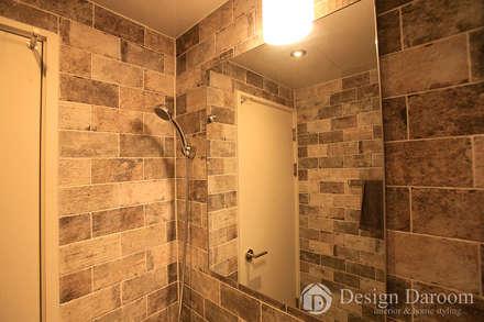암사동 한강포스파크 아파트 안방욕실: Design Daroom 디자인다룸의  화장실