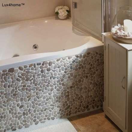 Pebble tile bathroom - Beige Pebble Tiles: scandinavian Bathroom by Lux4home™ Indonesia