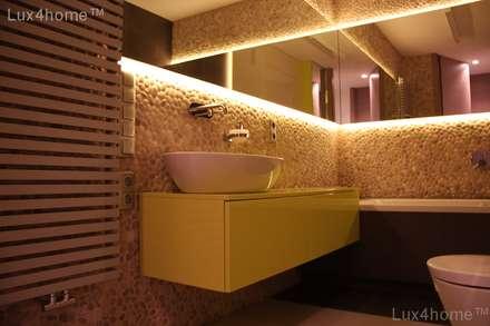 Pebble tile bathroom wall - Beige Pebble Tiles: colonial Bathroom by Lux4home™ Indonesia