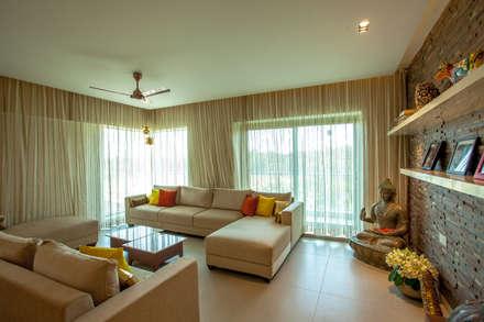 Lissy: Modern Living Room By Design Dna
