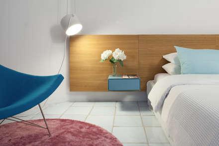 Cala Ginepro: mediterrane Schlafzimmer von TINNAPPELMETZ