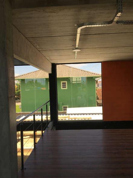 Prefabricated home by GhiorziTavares Arquitetura