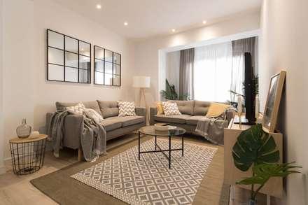 Salón: Salones de estilo escandinavo de Become a Home