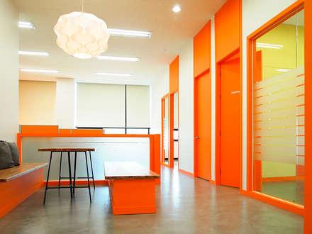 Office buildings by 제시카디자인그룹