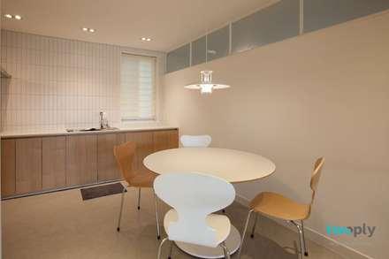 디자이너의 집 미니멀 라이프 – 상가주택 인테리어: 디자인투플라이의  다이닝 룸
