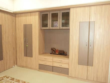 Sathyanarayanan Home Interior Design 5, Bangalore: Asian Dressing Room By  Bhavana Interiors Decorators