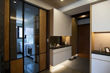 Corridor and hallway by 青築制作