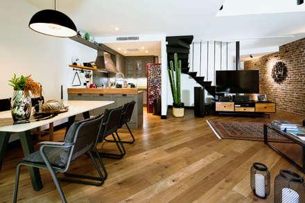 Boyman Arslan Architects – Teşvikiye Ev: modern tarz Yemek Odası