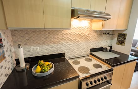 Meranti at Two Serendra:  Built-in kitchens by TG Designing Corner