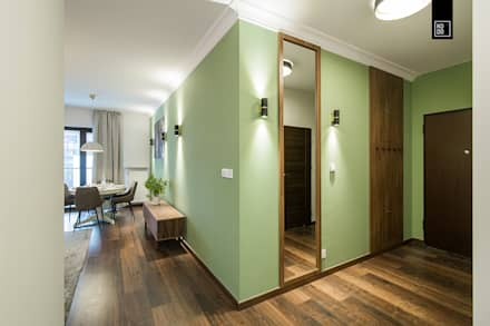 Corridor & hallway by Pracownie Wnętrz Kodo