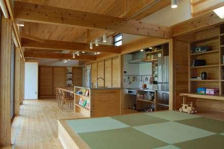 Cucina in stile in stile Asiatico di 田村建築設計工房