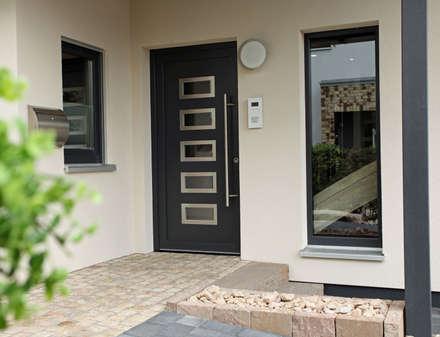 Portes d'entrée de style  par FingerHaus GmbH