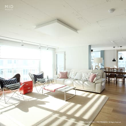 modern Living room by MID 먹줄