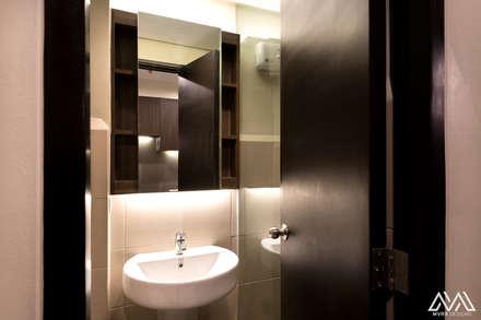 Modern Lux - Wil Tower QC: modern Bathroom by MVRX Designs