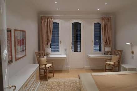 Gastzimmer: landhausstil Schlafzimmer von Meyerfeldt Architektur & Innenarchitektur