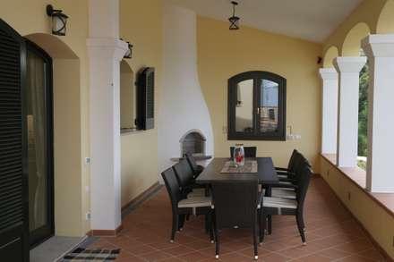 Frühstücksterrasse:  Terrasse von Meyerfeldt Architektur & Innenarchitektur