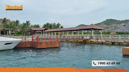 Bến Du Thuyền Vinperland:  Khu Thương mại by Kho Sàn Gỗ