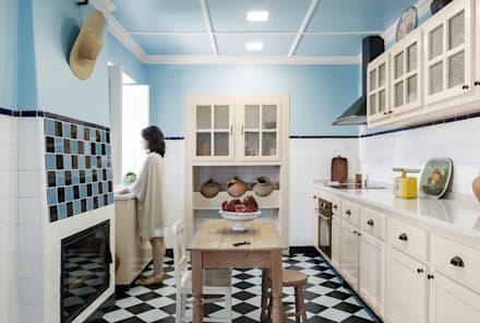 Kitchen units by Estúdio AMATAM