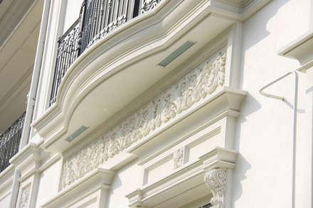 фасад из архбетона: Загородные дома в . Автор – qoD.design архитектурная мастерская