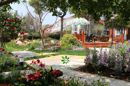 Jardins de fachada  por  M  Garden