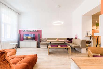 """Stadtwohnungen und Zweitwohnsitze –  muss ich auf das """"Zuhause-Gefühl"""" wirklich verzichten?  : ausgefallene Esszimmer von Horst Steiner Innenarchitektur"""