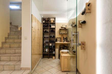 ห้องเก็บไวน์ by Horst Steiner Innenarchitektur
