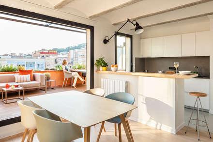 scandinavian Dining room by Sezam disseny d'Interiors SL