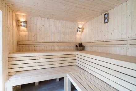 Saunas  por Cleopatra BV