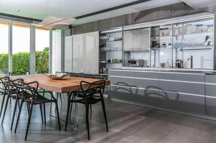 : Comedores de estilo moderno por Design Group Latinamerica
