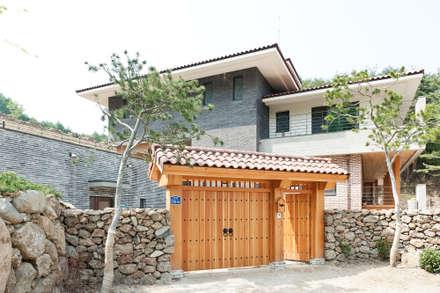 บ้านและที่อยู่อาศัย by 건축사사무소 아키포럼