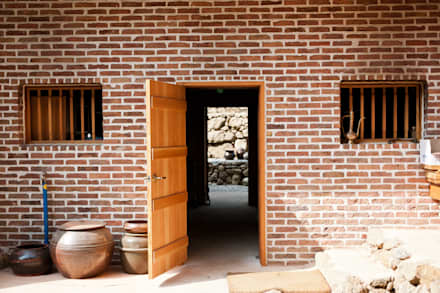 Puertas de estilo  por 건축사사무소 아키포럼