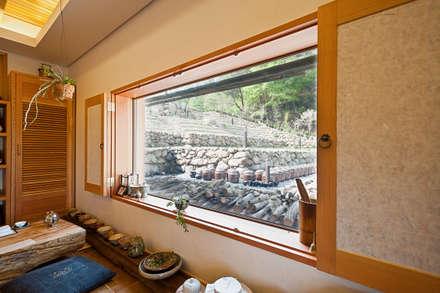 청강원 : 건축사사무소 아키포럼의  창문