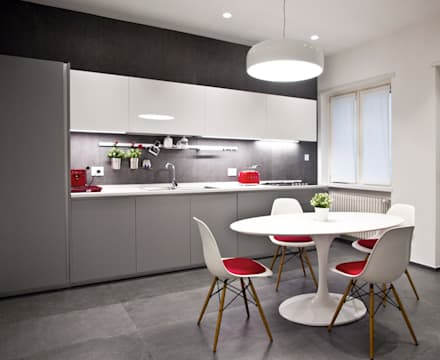 Built-in kitchens by Architetto Adalberto Pacillo