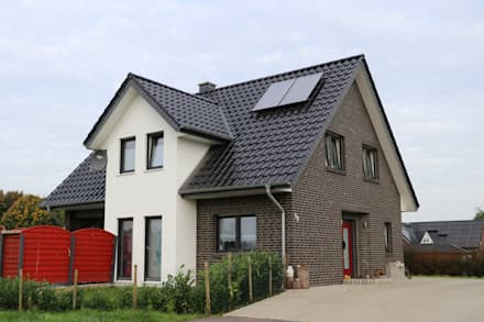 Rumah tinggal  by Kurt Buck Baugesellschaft