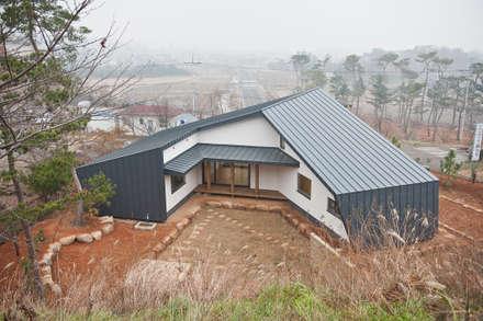 modern Houses by 건축사사무소 아키포럼