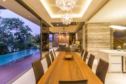 Formal Dining Room - overlooking Living Room: modern Dining room by MJKanny Architect