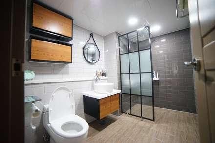 modern Bathroom by 제시카디자인그룹