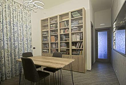 La casa del collezionista -studio-: Studio in stile in stile Eclettico di Rosa Gorgoglione Architetto