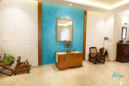 Classic Revive - Prestige Oasis:  Corridor & hallway by KRIYA LIVING