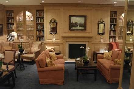 Lobby:  Hotels von Meyerfeldt Architektur & Innenarchitektur