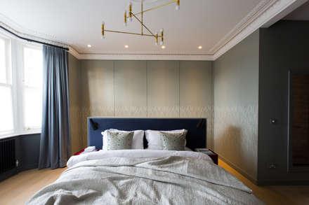 Brook Green London townhouse: scandinavian Bedroom by My-Studio Ltd