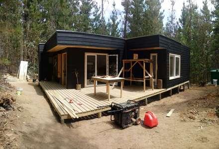 Casas de madera: Casas de madera de estilo  por Incove Ingeniería y Construcción