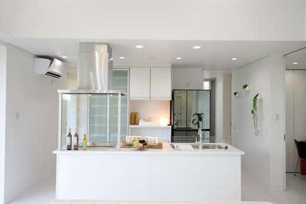 キッチン: 有限会社 秀林組が手掛けたキッチンです。