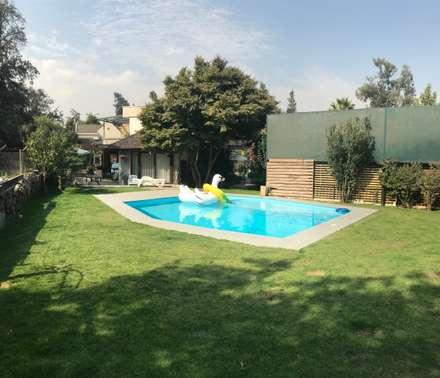 Piscina y jardines: Jardines zen de estilo  por ARquitectura